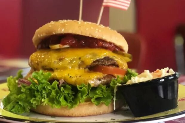 Daily Special: National Cheeseburger Day am 18.09.19