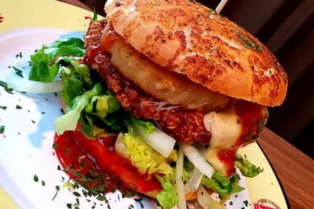 "Monatsspecial Januar: Crunchy Chicken Burger ""Hawaii"""