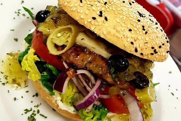 Monatsspecial Aug: Olympos Burger