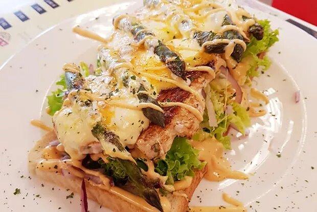 """Mittags-Special: """"Open Spargel Sandwich"""" 6. – 10.5.19 von 12-15 Uhr"""